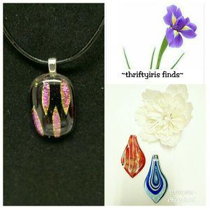 🌸NWOT-Handmade Glass & Acrylic Pendants-3